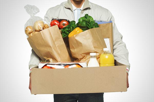 Где оказывают услуги по доставке продуктов из магазина в Омске?