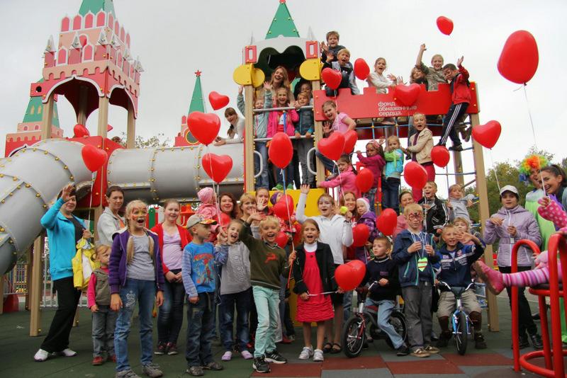 Какую помощь оказывают детские благотворительные фонды в Омске?