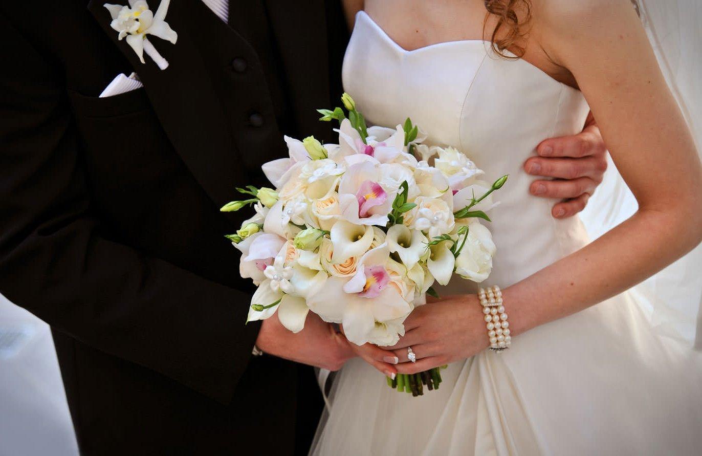 Купить свадебный букет для невесты в Омске