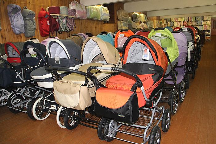Как выбрать детскую коляску в Омске?
