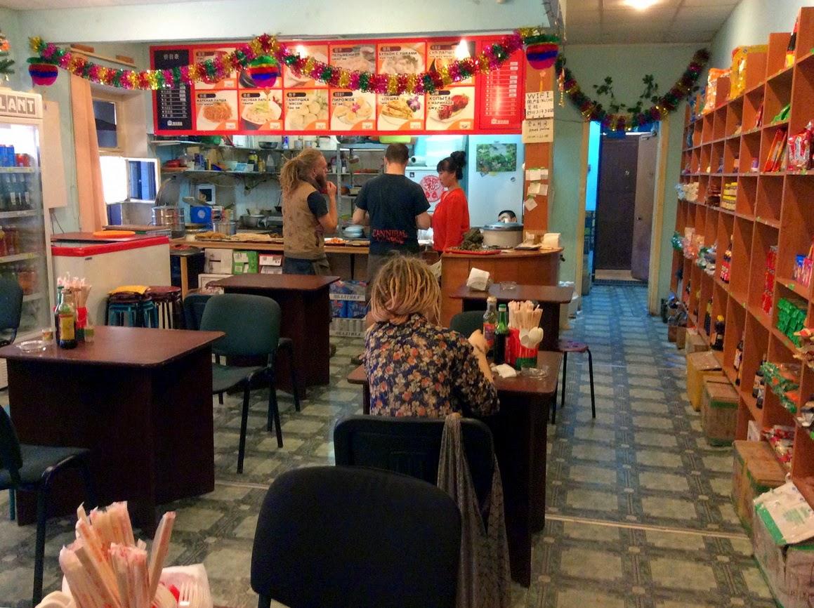 Где находятся недорогие кофейни в Новосибирске?