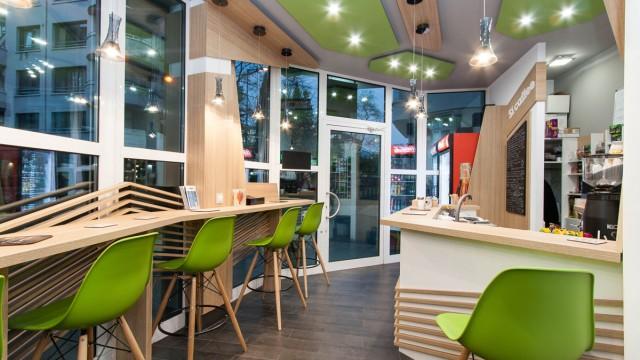 Где находятся недорогие кофейни в Омске?