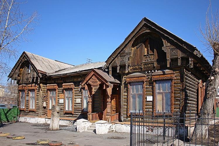 Какие уникальные здания есть в Омске?