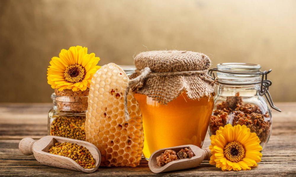 Где можно купить свежий мед и прополис в Омске?