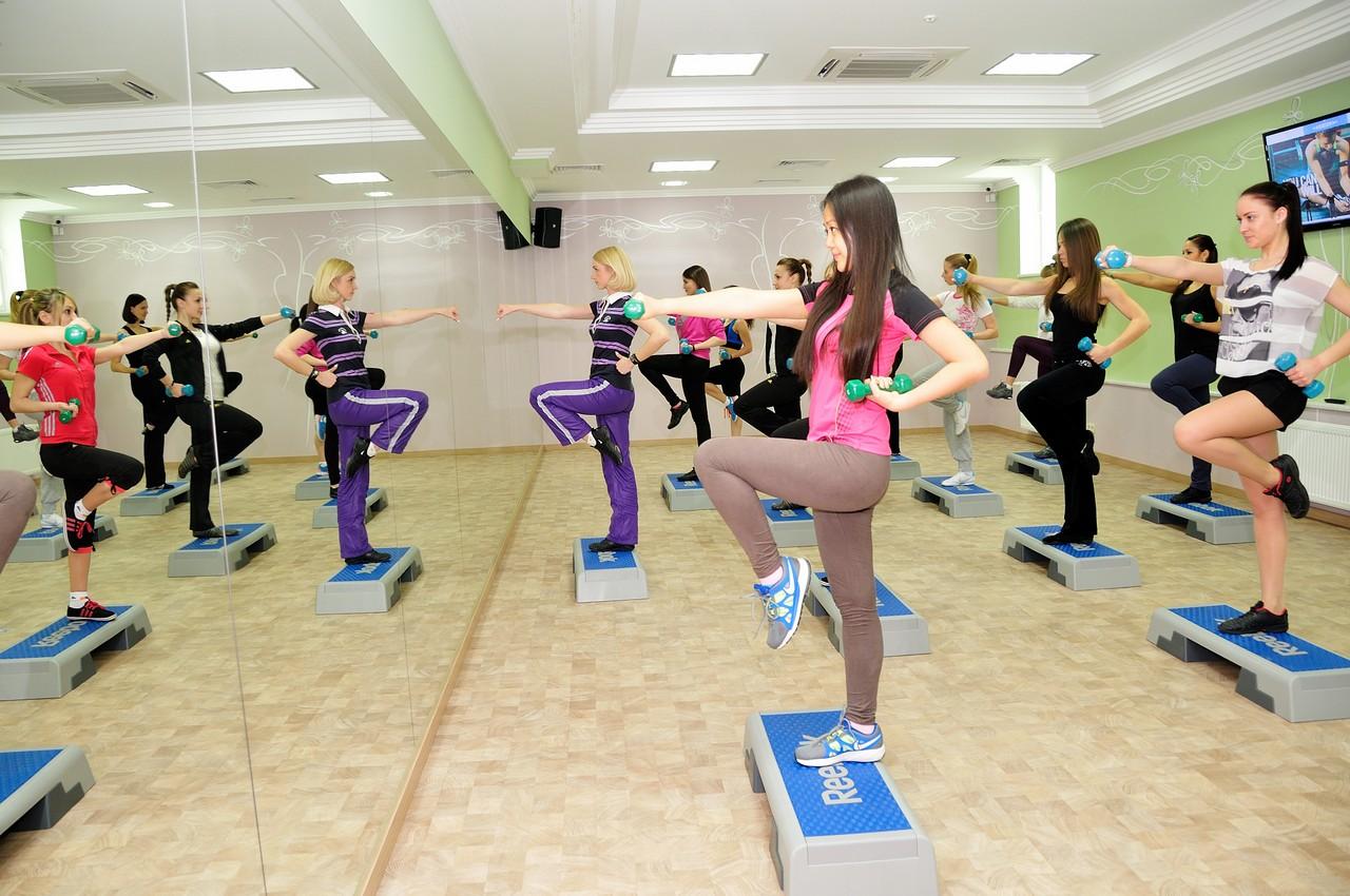 Где купить абонемент в фитнес клуб в Омске?